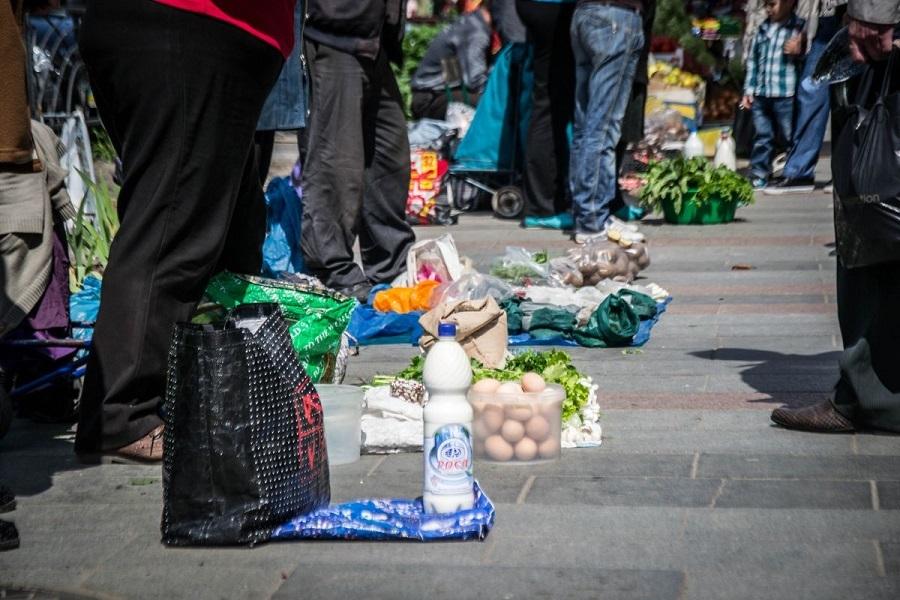 Тамбовчане пожаловались на грязь от стихийного рынка на Чичерина
