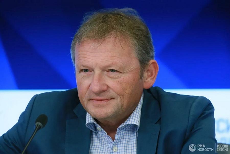 Титов попросил временно освободить малый бизнес от налогов и проверок