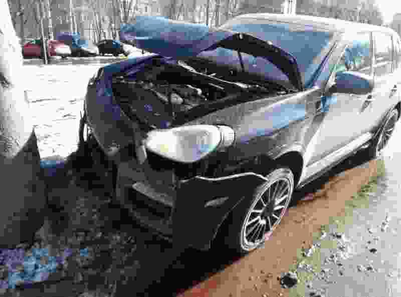 В Тамбове Ford столкнулся с Porsche: есть пострадавшие
