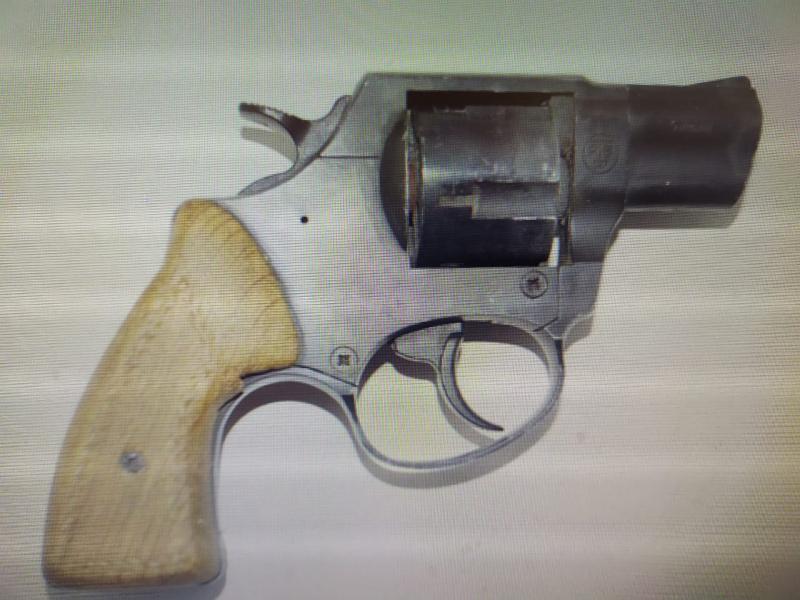 В Тамбовской области мужчина пытался через интернет продать жителям Сибири два иностранных револьвера