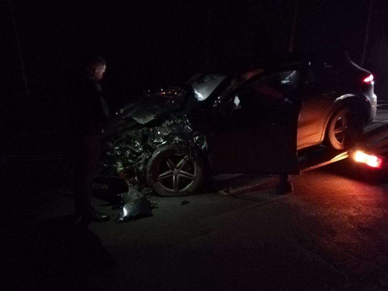 В Тамбовском районе Porsche Cayenne врезался в рабочий автобус «ПАЗ»