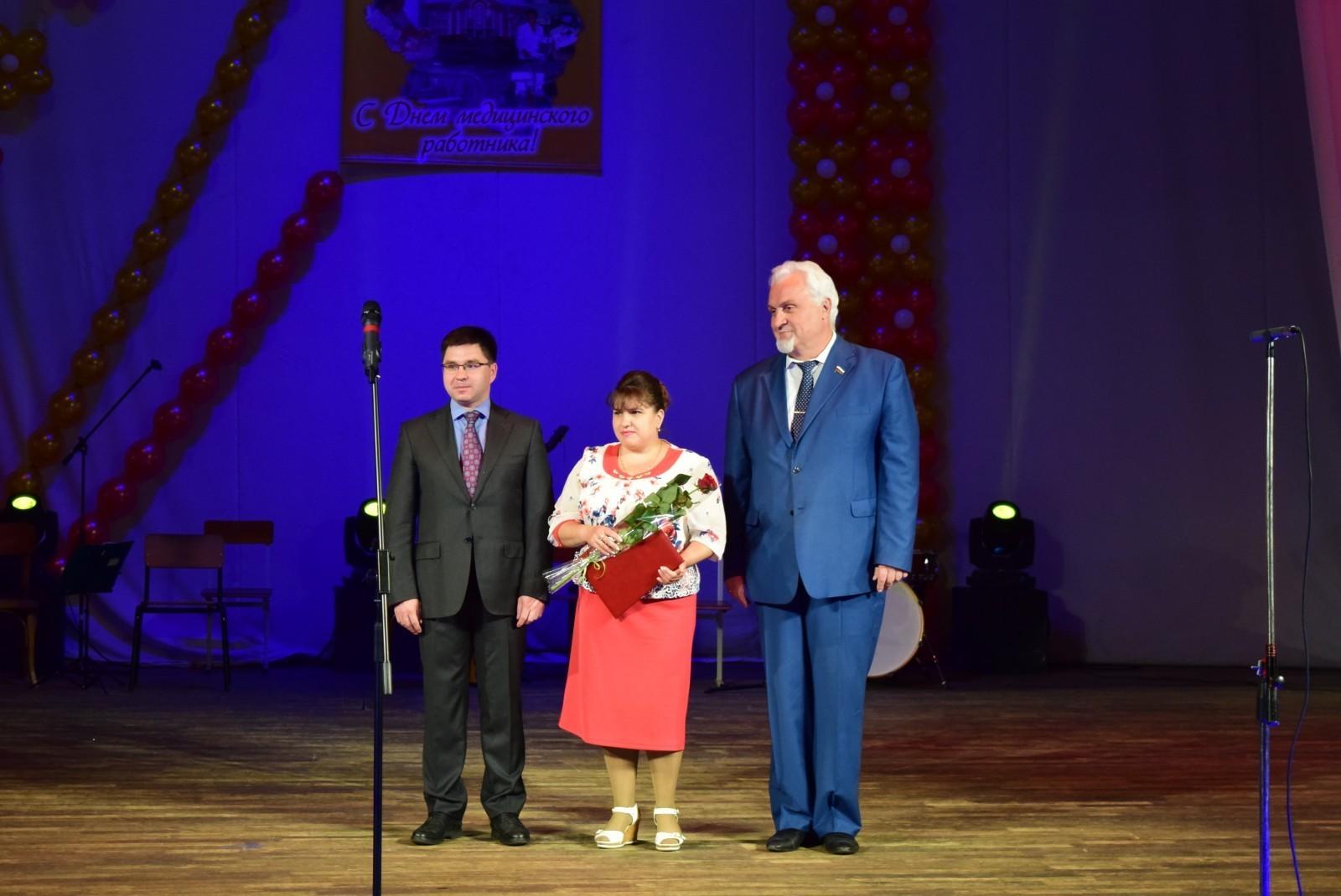 В Тамбове накануне профессионального праздника чествовали лучших медработников