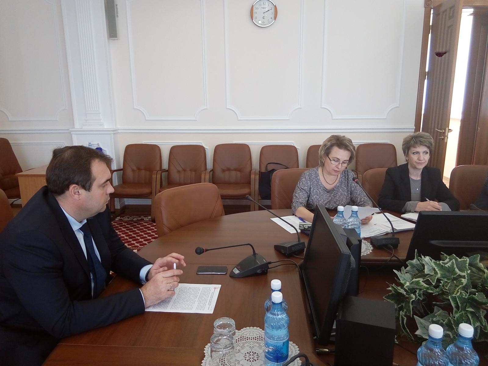 Вице-губернатор Игорь Кулаков призвал руководителей муниципалитетов провести все работы по благоустройству качественно и в срок