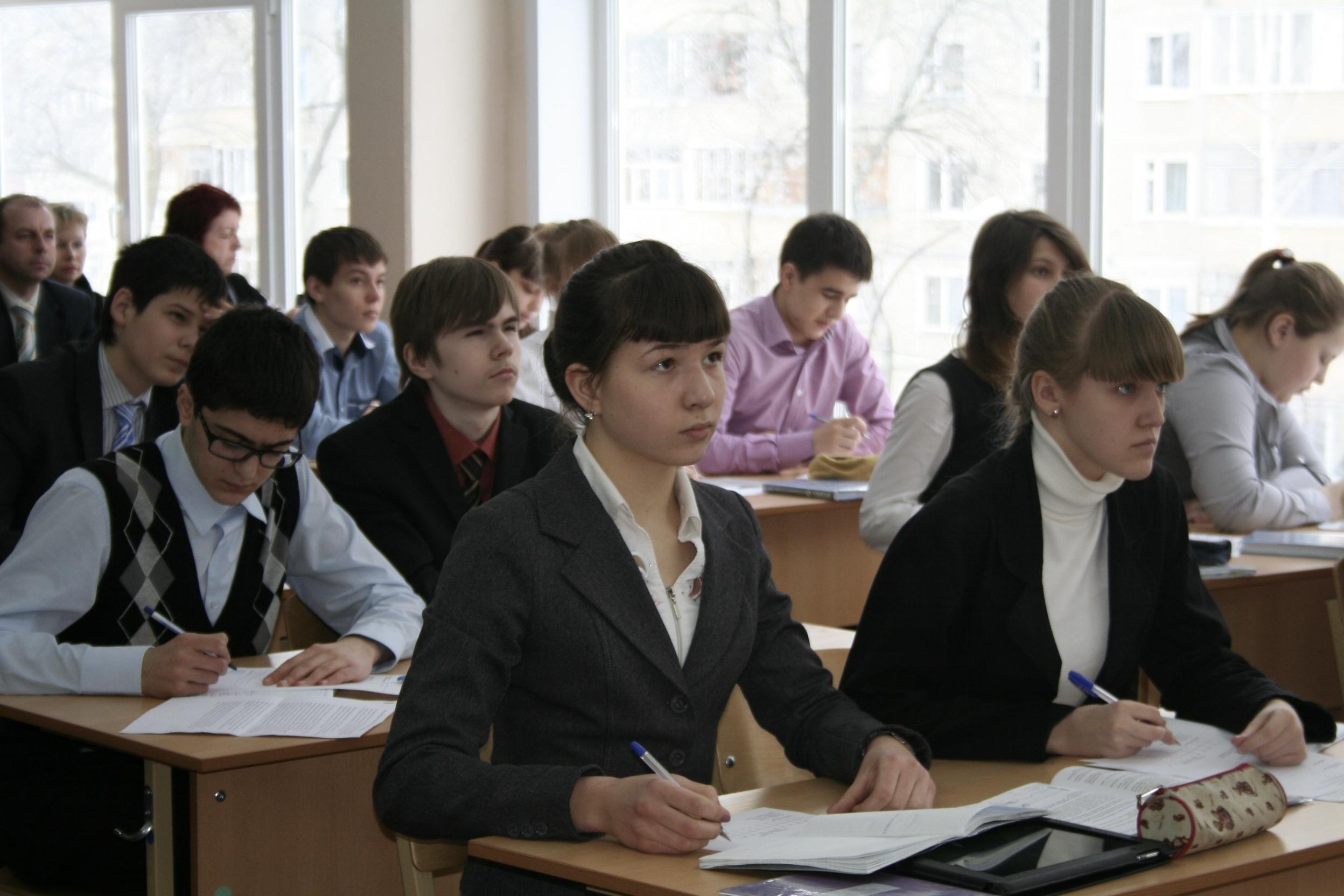 Всероссийские проверочные работы: одиннадцатиклассники сдают физику, пятиклассники – историю