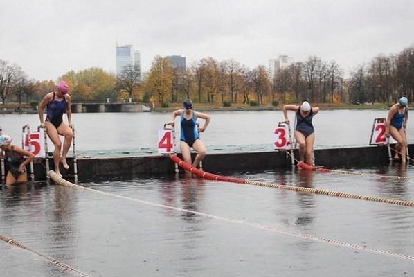 Тамбовские моржи покорили километры ледяной воды на международных соревнованиях в Минске