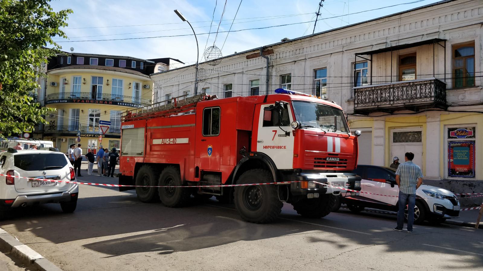 Губернатор Александр Никитин держит на контроле ситуацию по ликвидации последствий обрушения в жилом доме в Мичуринске