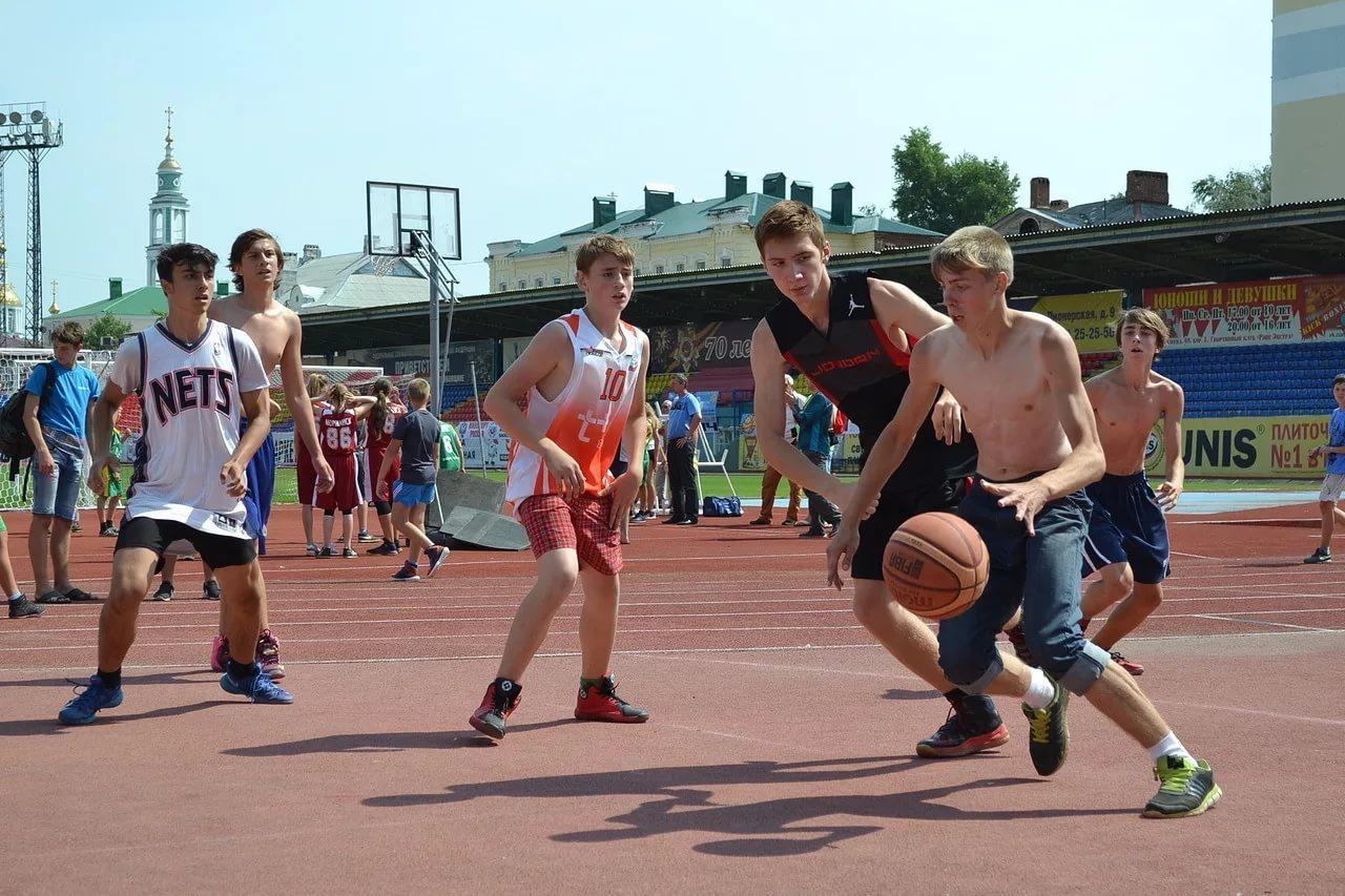 Тамбов встретит День физкультурника соревнованиями по уличному баскетболу «Оранжевый мяч-2017»