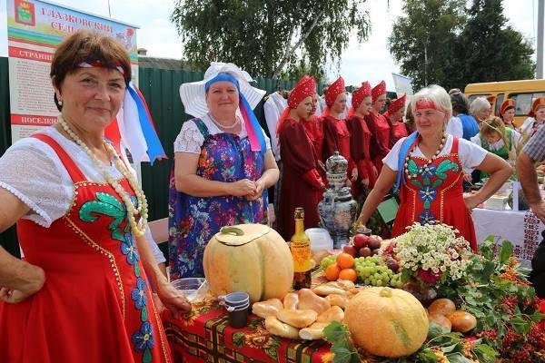 «У нас в Москве такого нет!» - на Тамбовщине прошел праздник русского сарафана