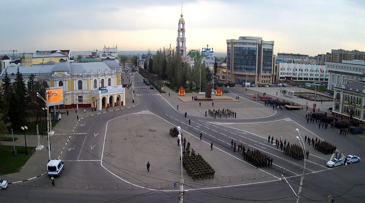 На площади Ленина проходит первая репетиция парада Победы