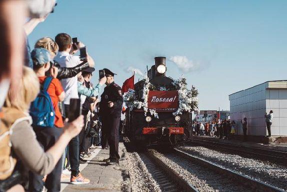 Обзор за неделю: мощи Матроны, благоустройство скверов, поезд Победы