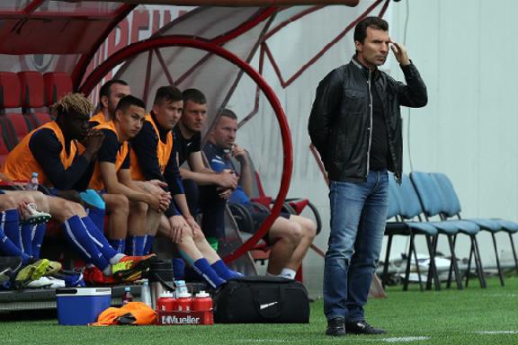 Александр Григорян: в оставшихся матчах надо порадовать болельщиков своей игрой