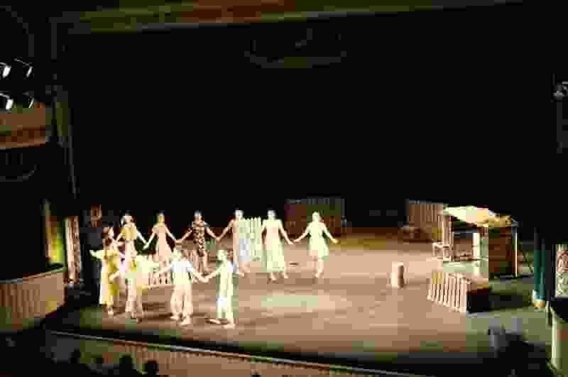 «Доскакалась по сеновалам!» На сцене тамбовского театра нижегородские студенты показали трагизм простых жизненных ситуаций