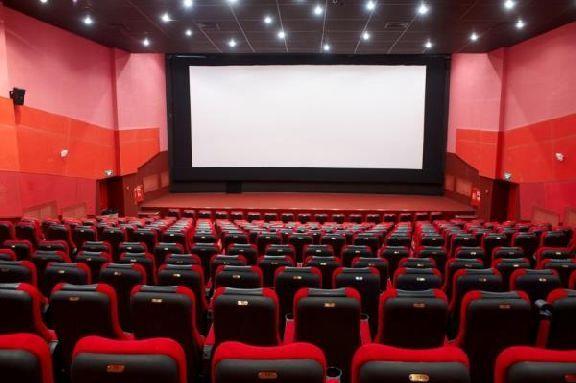 Любовь в необычных условиях и фэнтези про месть: какие киноновинки увидят тамбовчане