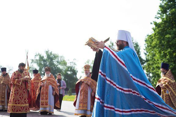 Тамбовчане встретили частицы мощей святой Матроны Московской