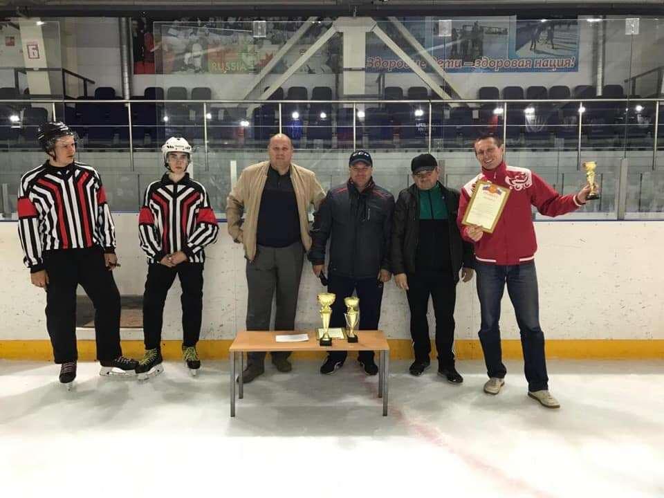 В Моршанске прошёл хоккейный турнир среди ветеранов спорта