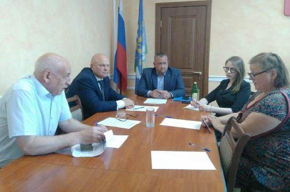 Вице-губернаторы провели личные приемы граждан в районах области
