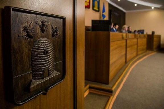 Депутаты Тамбовской гордумы изменили структуру оплаты труда бюджетников и утвердили прошлогодний бюджет