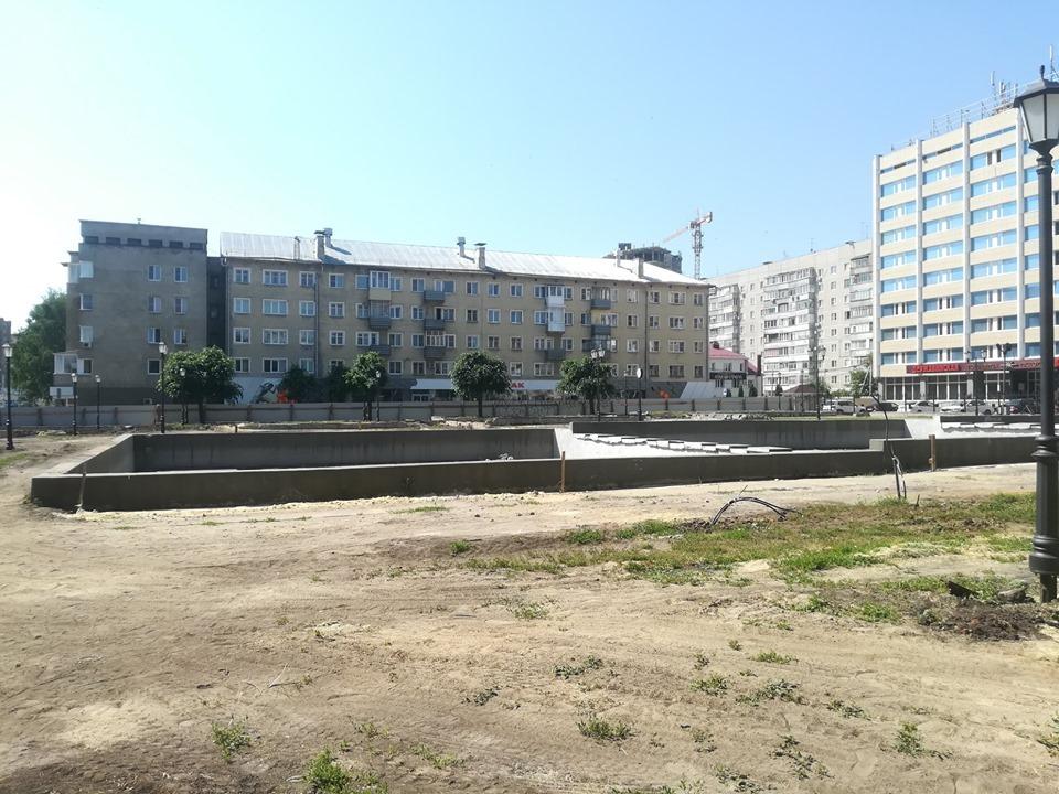 Полпред президента РФ в ЦФО Игорь Щеголев посмотрел, как в Тамбове идет реконструкция площади Льва Толстого