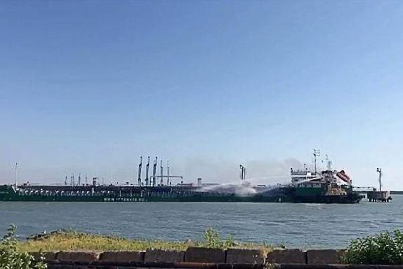 При взрыве на танкере в Махачкале пострадал тамбовчанин