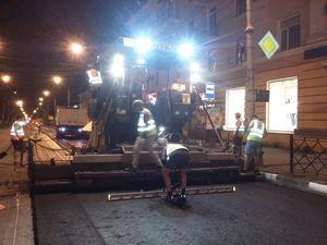 Укладка первых тонн асфальтобетона на автодорогах Тамбова