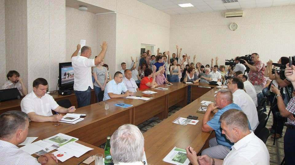 В Мичуринске после протеста горожан остановили работы по благоустройству сквера