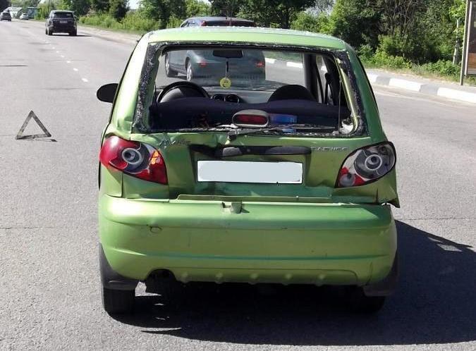 В Тамбове автобус въехал в остановившийся Daewoo Matiz: девушка-водитель в больнице