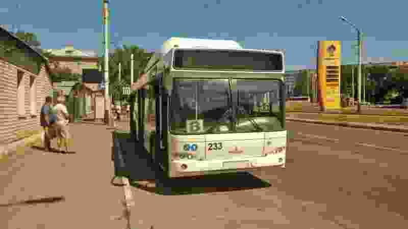 В Тамбове при столкновении маршрутки и автобуса пострадала пенсионерка