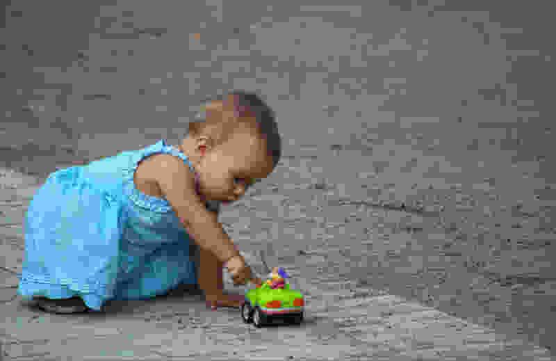 В Тамбовской области легковушка сбила двухлетнего мальчика: малыш в реанимации