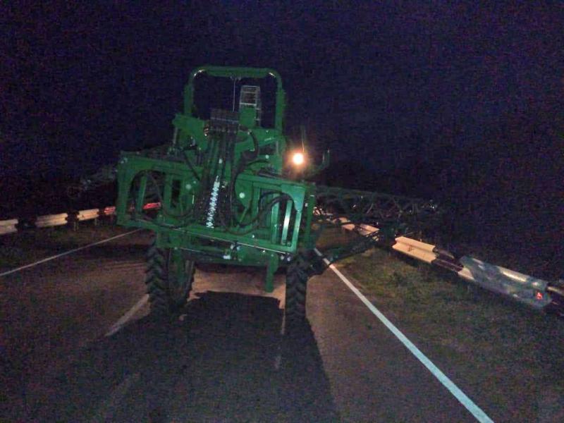 В Тамбовской области легковушка въехала в трактор