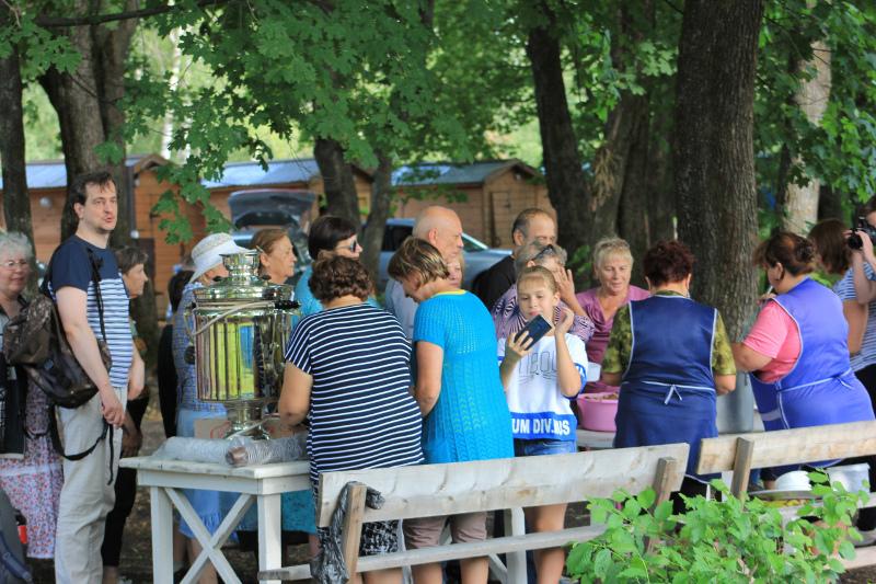 """На фестивале """"Звёздная ночь"""" в Ивановке гости отведали рахманиновской ухи"""
