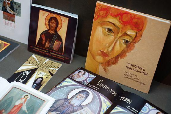 Тамбовчанам показали редкие иконы на специальной выставке