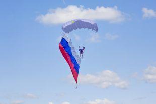 ВДень ВДВвТамбове пройдет выставка вооружения ипрыжки парашютистов