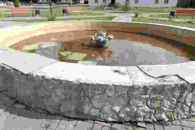 В Пичаево вандалы «разобрали» фонтан