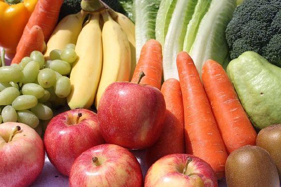 В Роспотребнадзоре дали советы по выбору овощей и фруктов в летний период