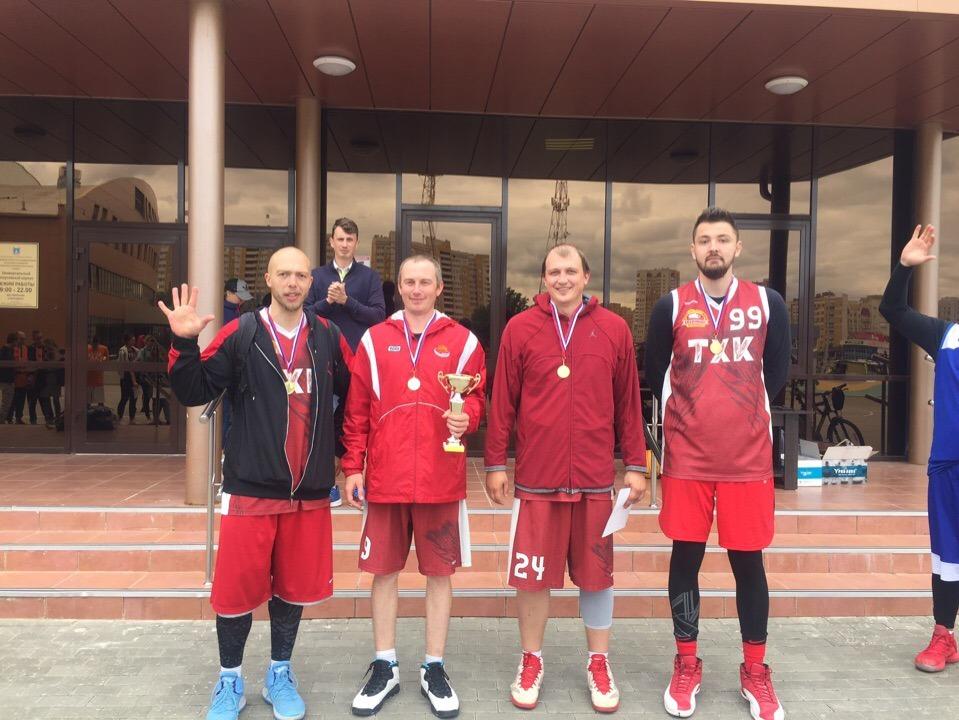 В Тамбове разыграли медали Кубка города по стритболу