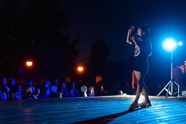 """Финалист """"Танцев на ТНТ"""" устроил мини-баттл на закрытии """"Уличной Латины"""""""