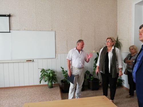 Марина Подгорнова проверила безопасность учебных заведений