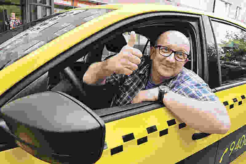 Мичуринец вонзил нож в шею таксисту и убежал, лишь бы не оплачивать проезд