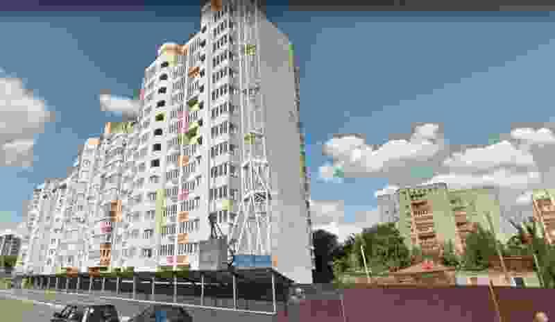 Многоэтажку на Карла Маркса, заброшенную несколько лет назад, обещают достроить к этой осени