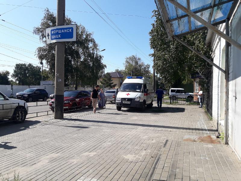 На проезде Монтажников ребёнок, перебегавший дорогу, попал под колёса иномарки