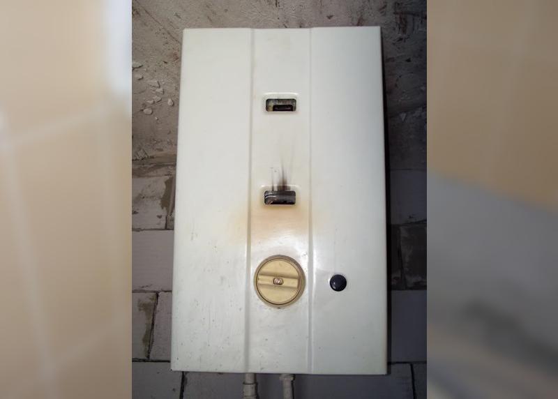 На юге Тамбова в частном доме загорелась газовая колонка