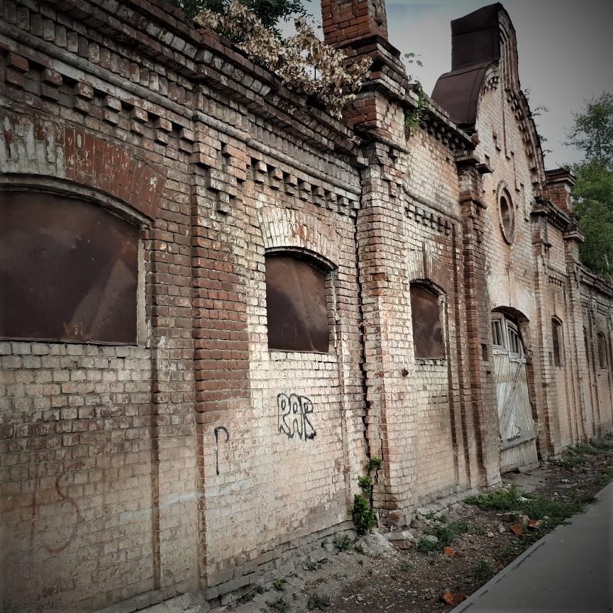 Общественники обратились в администрацию с требованием остановить разрушение исторических памятников города