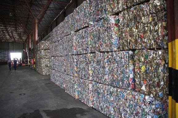 Остановка единственного в области завода по переработке отходов грозит мусорным коллапсом