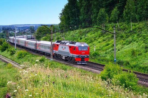 Первые лица региона поздравили работников железнодорожной отрасли