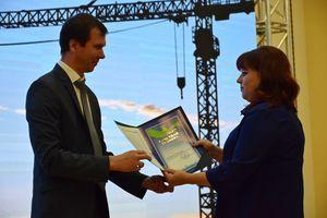 Работники строительной отрасли принимают поздравления