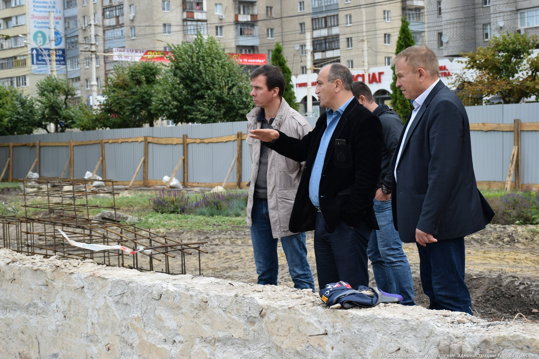 Сроки сдачи сквера имени Льва Толстого после реконструкции находятся под угрозой срыва