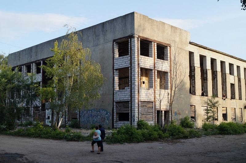 """Строили, строили и наконец забросили: дом культуры """"Строитель"""""""