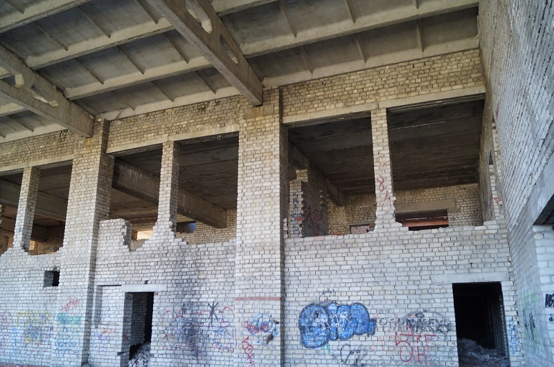Строили, строили и недостроили: заброшенная школа в Тамбове