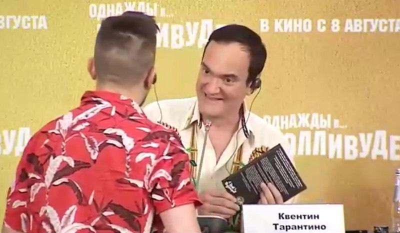 "Тамбовчанин подарил Квентину Тарантино сборник комиксов под названием ""Байки с Рылеева, 71"""