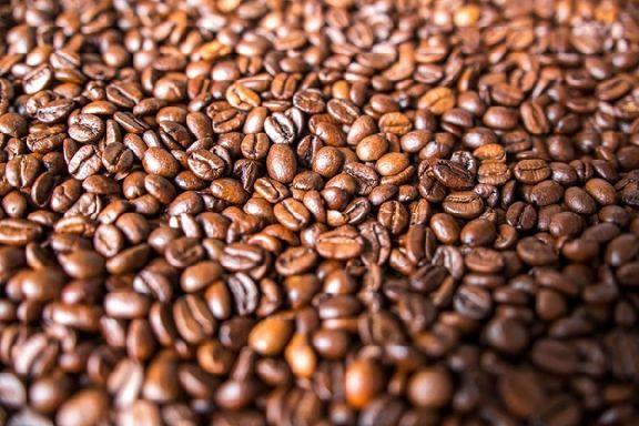 Ученые рассказали, кому нельзя пить много кофе